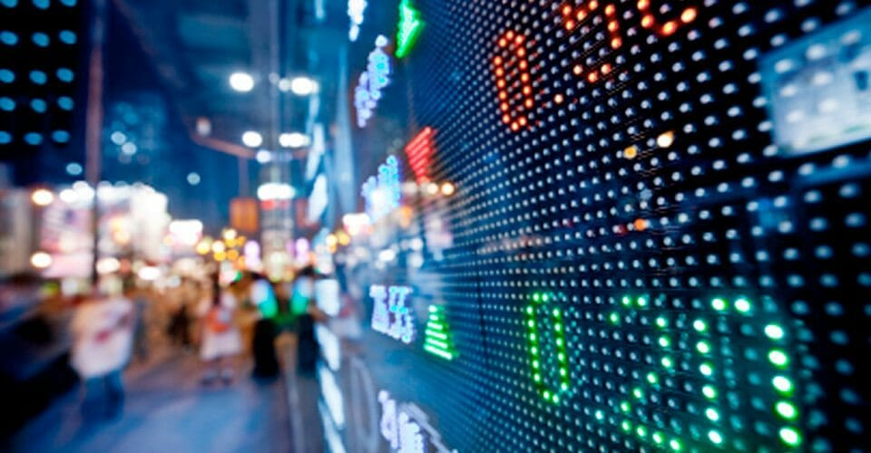 binary Options and Risk Assets